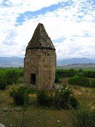 200px-Mausoleum_in_Mamedbeyli-IMG_8021.jpg